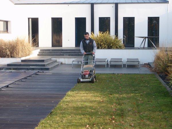 Alliance paysage entretien jardin particuliers vendee for Service personne tonte pelouse