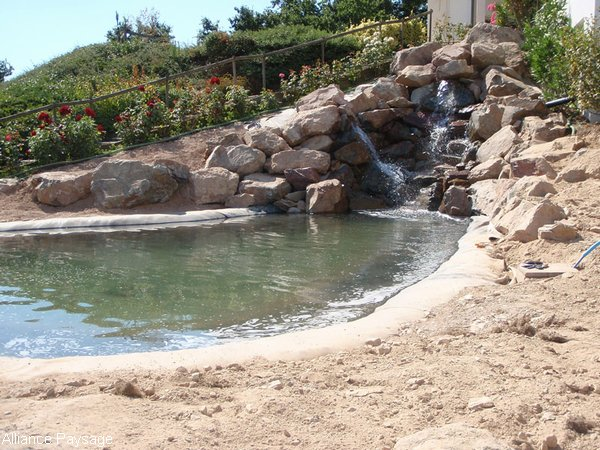 Alliance paysage r alisation de bassins et jeux d 39 eau for Cascade d eau jardin